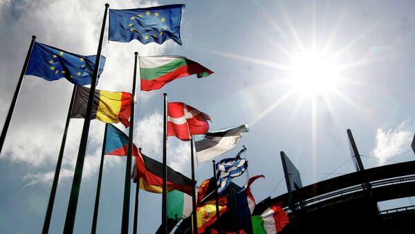 Флаги стран ЕС. Архивное фото.