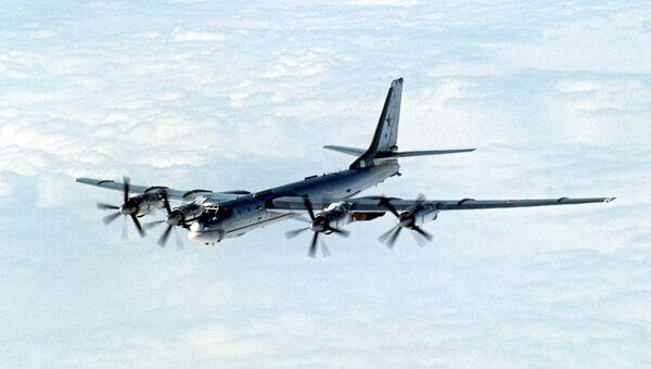 Стратегический бомбардировщик ТУ-95. Архивное фото