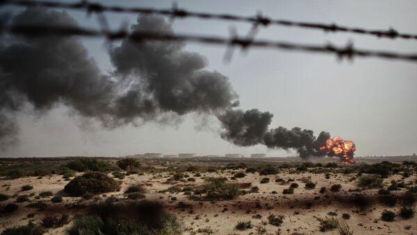 Сжигание отходов нефтяного производства в Ливии. Архивное фото