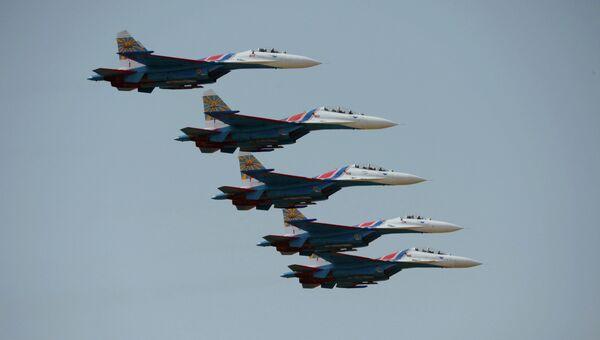 Истребители Су-27 пилотажной группы Русские Витязи. Архивное фото