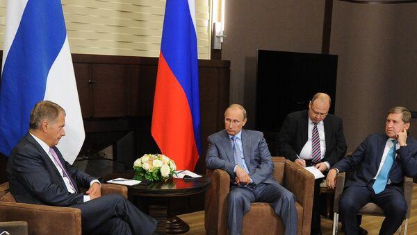 В.Путин встретился с С.Ниинисте. Архивное фото.