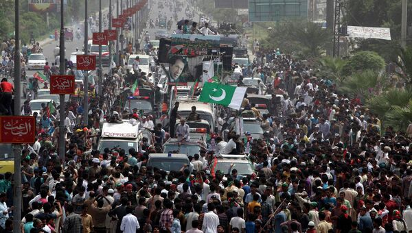 Сторонники партии Пакистан Техрик-е Инсаф