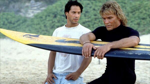 Кадр из фильма На гребне волны