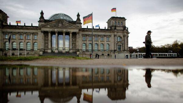 Здание Рейхстаг, в котором находится парламент Бундестаг Германии. Архивное фото