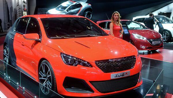 Автомобиль Peugeot 308R на Московском международном автомобильном салоне. Архивное фото