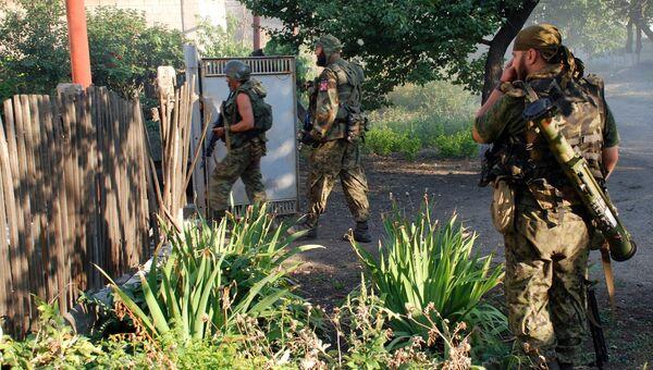 Ополченцы Донецкой народной республики (ДНР) в городе Иловайске. Архивное фото