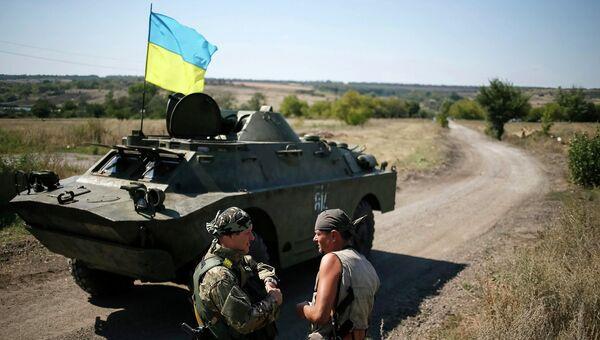 Украинские военные возле Донецка