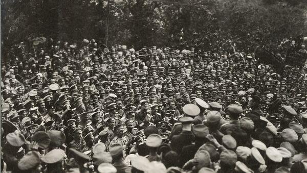Военный министр Александр Керенский обращается к войскам, 1917 год