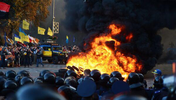 Беспорядки у здания Верховной рады Украины в Киеве. Архивное фото