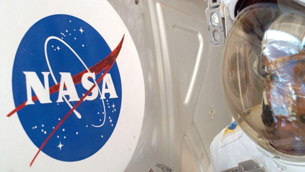 """Источник: НАСА не будет вместе с РФ расследовать появление дыры в """"Союзе"""" - РИА Новости, 12.12.2018"""