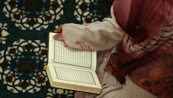 Первая ночная молитва священного месяца Рамадан. Архивное фото