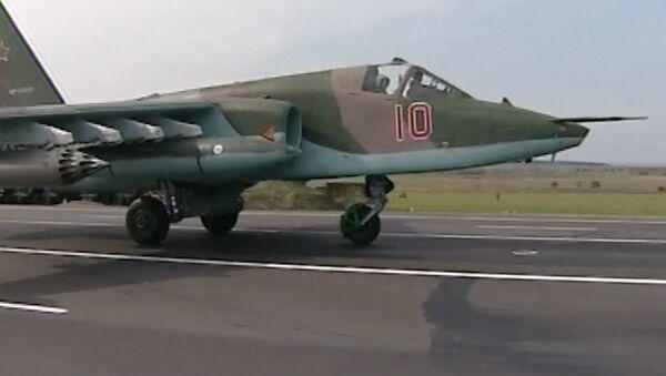 Боевые самолеты садились на шоссе на учениях Восток-2014