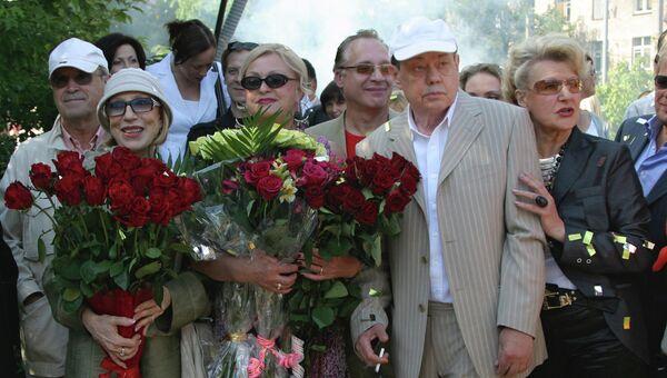 Инна Чурикова, Любовь Поргина, Николай Караченцов, Светлана Дружинина