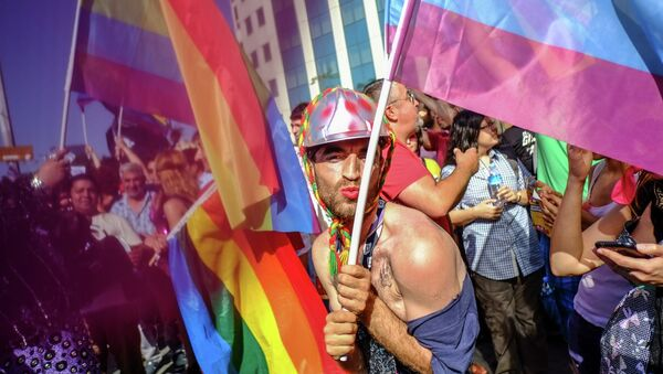 Гей-парад в Стамбуле