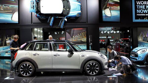 5-дверный хэтчбэк Mini на Парижском автосалоне