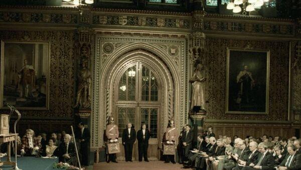 Члены обеих палат Британского парламента