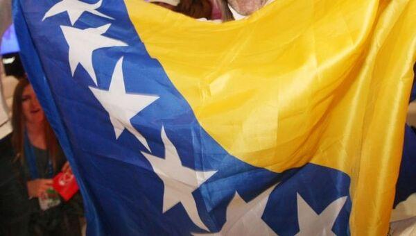 Флаг Боснии и Герцеговины. Архивное фото