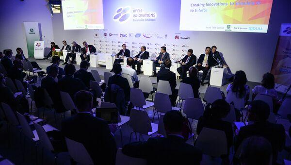 Участники на III Московском международном форуме Открытые инновации - 2014 в Москве