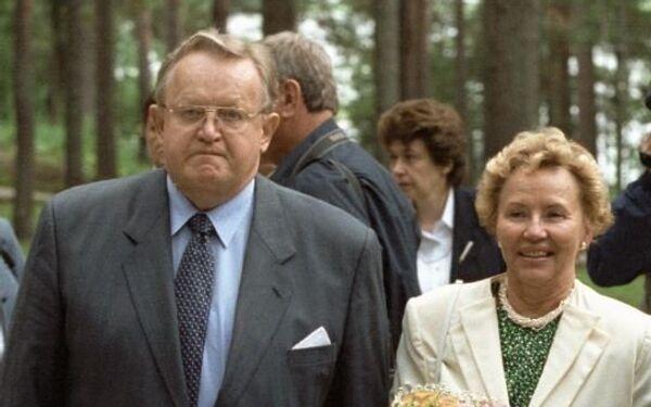 Президент Финляндии Марти Ахтисаари, его супруга Эва Ахтисаари
