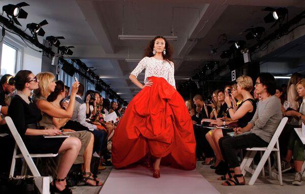 Показ коллекции модельера Оскара де ла Рента. Нью-Йорк, 2011 год