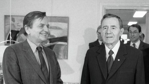 Премьер-министр Швеции Улоф Пальме и министр иностранных дел СССР Андрей Громыко