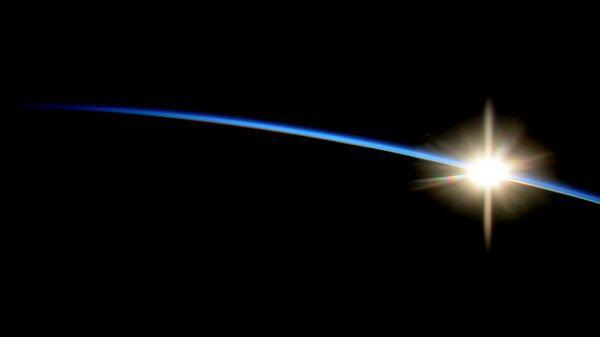 Восход с Международной космической станции. Архивное фото