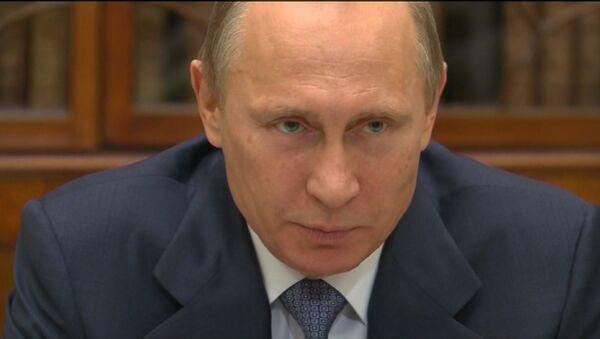 Историю невозможно переписать – Путин о попытках перекодировать общество