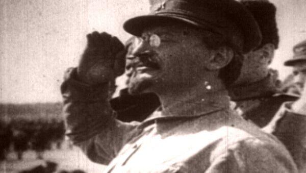 Вождь народов против Демона революции. Лев Троцкий в архивных кадрах