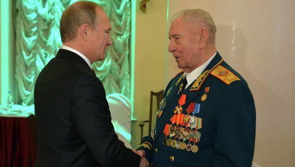 Владимир Путин поздравил Дмитрия Язова с 90-летием