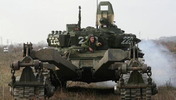 Танк Т-72. Архивное фото