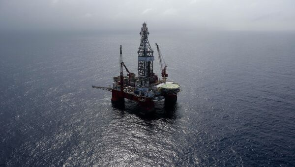 Нефтедобывающая платформа в Мексиканском заливе. Архивное фото
