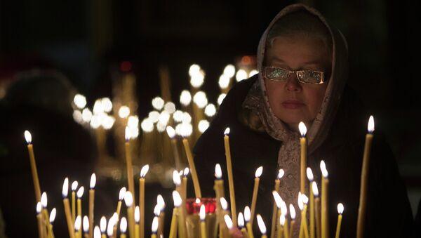 Прихожане во время праздничного Рождественского богослужения. Архивное фото