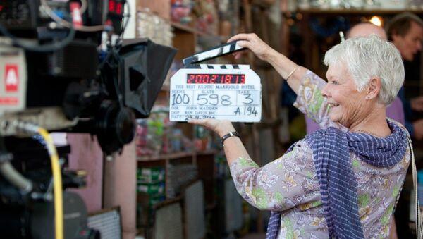 Актриса Джуди Денч на съемках фильма Отель «Мэриголд». Лучший из экзотических
