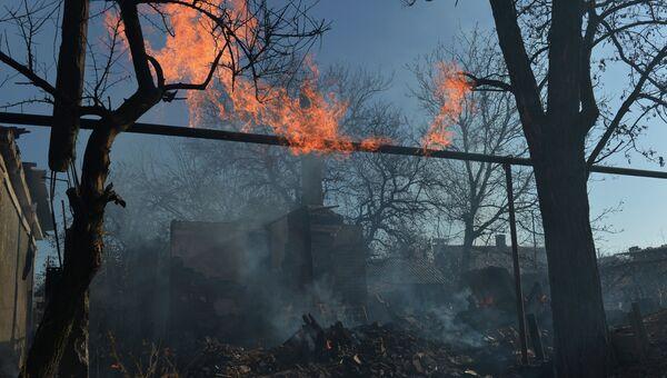 Дом, разрушенный в результате артиллерийского обстрела. Архивное фото