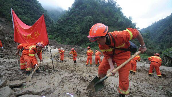 Работа спасателей в Китае, архивное фото
