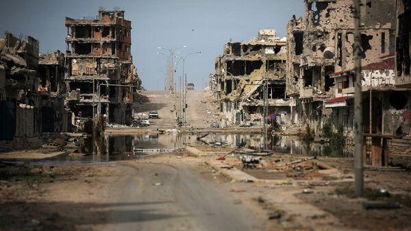 Разрушенные здания города Сирт, Ливия