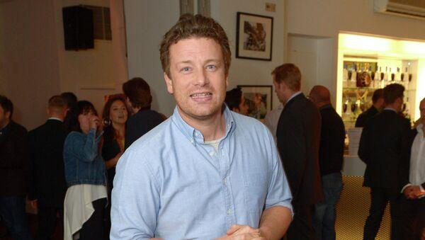 Ведущий британского кулинарного шоу Джейми Оливер. Архивное фото