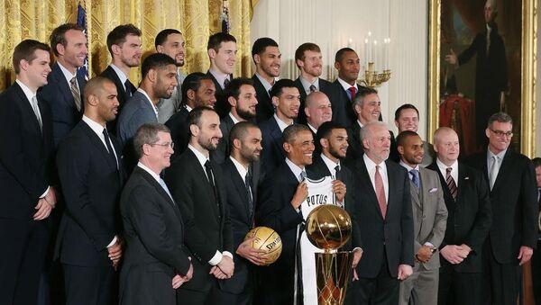 Баскетболисты Сан-Антонио Сперс на приеме в Белом Доме