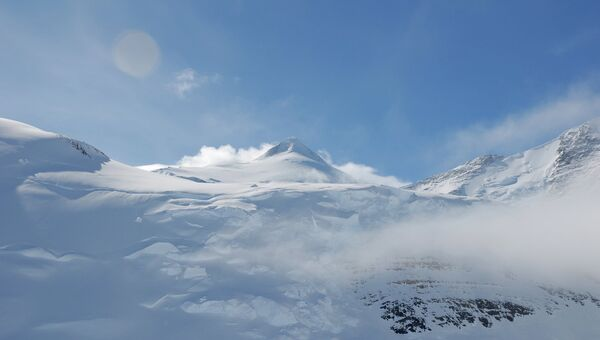 Cамые высокие горы Антарктиды. Массив Винсон. Архивное фото