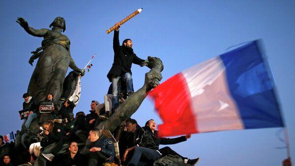 Сотни тысяч французских граждан приняли участие в марше солидарности на улицах Парижа