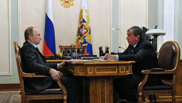 Президент РФ В.Путин встретился с главой Роснефти И.Сечиным