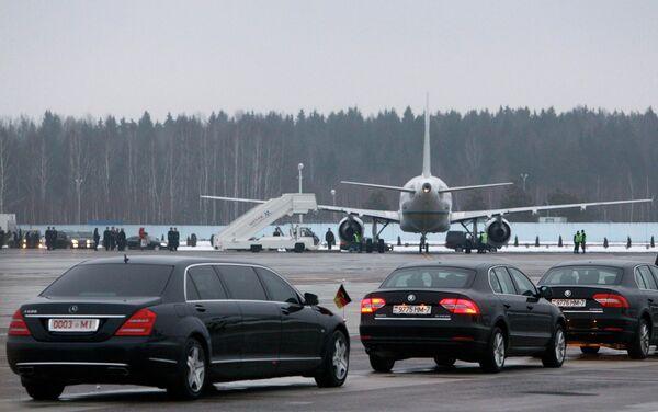 Аэропорт Минска во время прибытия глав государств