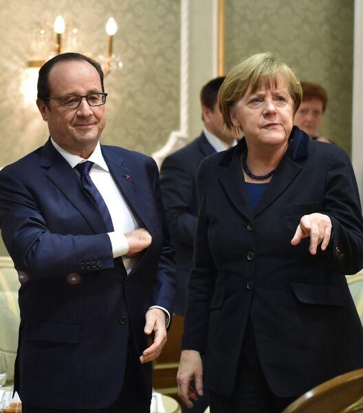 Президент Франции Франсуа Олланд и канцлер Германии Ангела Меркель во Дворце независимости в Минске