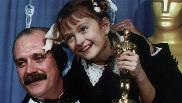 Режиссер и актер Никита Михалков - обладатель приза американской киноакадемии Оскар в номинации Лучший иностранный фильм за фильм Утомленные солнцем