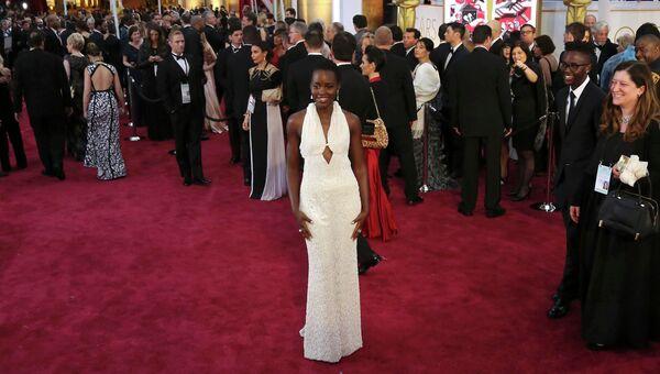 Актриса Люпита Нионго на церемонии вручения премии Оскар