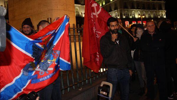 Испанец Серхио, воевавший на стороне ополченцев Донбасса, выступает на митинге в Мадриде. Архивное фото