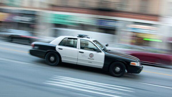 Машина полиции на улице в США