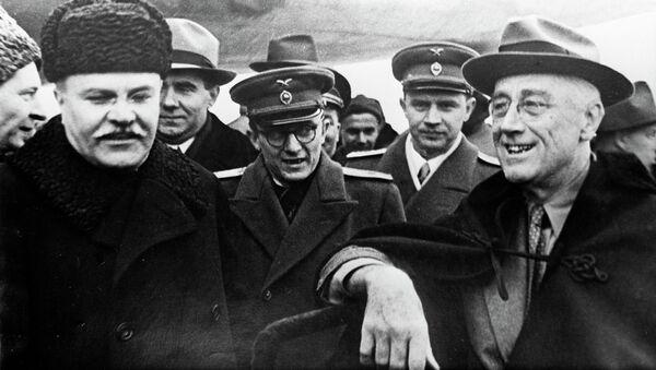 Вячеслав Михайлович Молотов и Франклин Делано Рузвельт