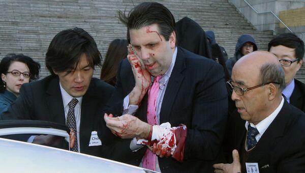 Посол США в Южной Корее Марк Липперт после нападения