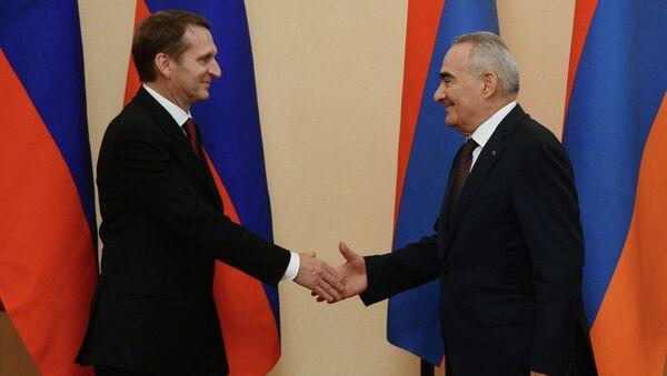 Председатель Государственной Думы РФ Сергей Нарышкин во время встречи с председателем Национального собрания Республики Армения Галустом Саакяном в Ереване